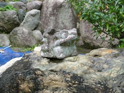 玉三稲荷神社15.JPG