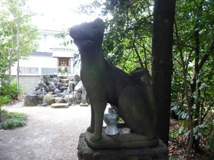 玉三稲荷神社24.JPG