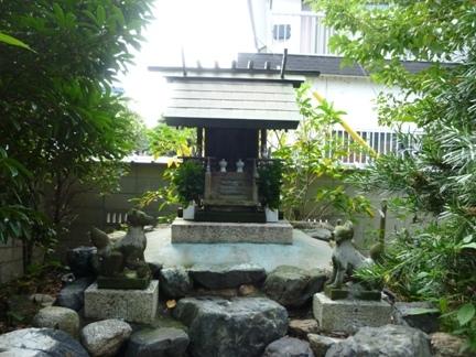 玉三稲荷神社27.JPG