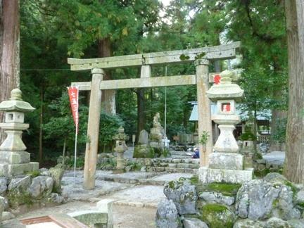 鳴谷神社08.JPG