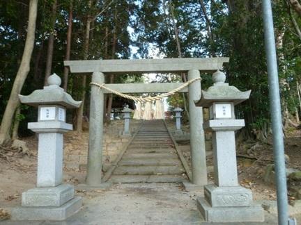 稲前神社21.JPG